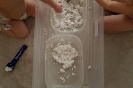 how to make fake snow. easy diy toddler busy activities